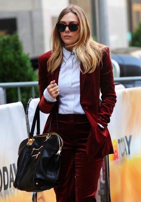 fashion-bloggers-wearing-velvet-streetstyle-nyc-nolita-la-modella-mafia-elizabeth-olsen-model-off-duty-street-style-2-450x644